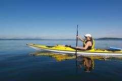 Cielo blu che Kayaking Fotografia Stock Libera da Diritti