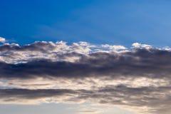 Cielo blu con Gray Cloud Immagini Stock