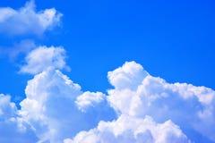 Cielo blu con il fondo 171018 0159 delle nuvole Fotografia Stock Libera da Diritti