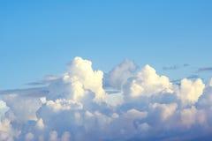 Cielo blu con la nube Immagini Stock