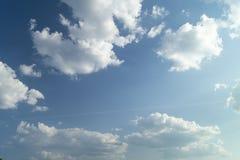 Cielo blu con la nube bianca Immagini Stock Libere da Diritti