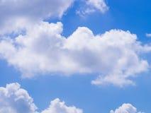 Cielo blu con la nube bianca Fotografia Stock