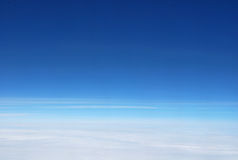 Cielo blu dall'aereo Immagine Stock