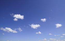 Cielo blu dipinto bianco fotografia stock libera da diritti