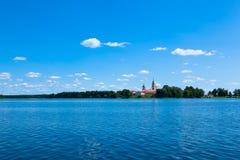 Cielo blu e lago blu di estate Lago famoso Seliger La Russia fotografie stock libere da diritti