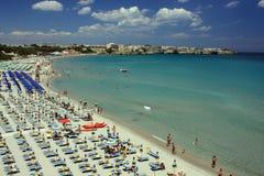 Cielo blu e mare bianchi della spiaggia Fotografie Stock Libere da Diritti