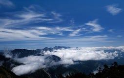 Cielo blu e nube bianca Fotografie Stock