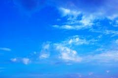 Cielo blu e nubi bianche Fotografia Stock Libera da Diritti