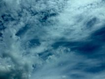 Cielo blu e nubi bianche Immagini Stock Libere da Diritti