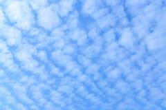 Cielo blu e nuvola Immagine Stock