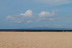 Cielo blu e nuvola alla spiaggia Fotografia Stock Libera da Diritti