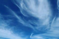 Cielo blu e nuvola bianca Immagini Stock