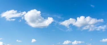 Cielo blu e nuvole Fotografie Stock Libere da Diritti