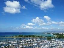 Cielo blu e porticciolo in Hawai Fotografie Stock Libere da Diritti