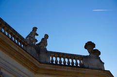 Cielo blu ed ombre fotografia stock