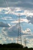Cielo blu elettrico delle torri Fotografie Stock Libere da Diritti