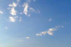 Cielo blu, giada bianca Immagini Stock