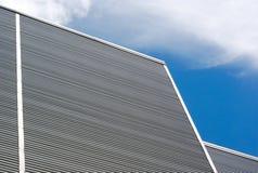Cielo blu metallico del grafico dell'attività del fondo della costruzione della parete Fotografie Stock
