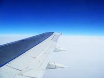 Cielo blu perfetto da una finestra piana Immagine Stock Libera da Diritti