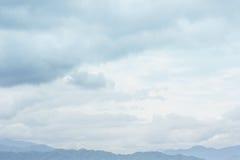 Cielo blu in più giorno della nuvola Fotografia Stock Libera da Diritti