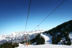Cielo blu sopra le tracce svizzere Fotografie Stock