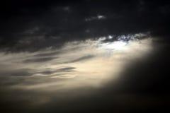 Cielo cambiante oscuro fotografía de archivo libre de regalías