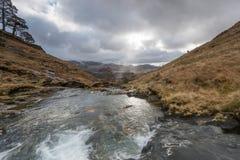 Cielo cambiante sobre el parque nacional de Snowdonia Foto de archivo