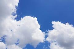 Cielo claro, cielo azul imagen de archivo
