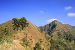 Cielo claro de la montaña Foto de archivo libre de regalías