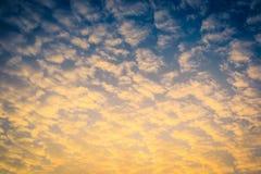 Cielo colorido con la nube foto de archivo libre de regalías