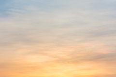Cielo colorido de la puesta del sol Fotos de archivo libres de regalías