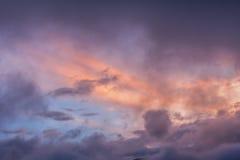 Cielo colorido después de la explosión potente de Tungurahua Fotografía de archivo libre de regalías