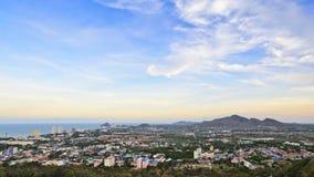 Cielo colorido sobre la ciudad de Hua Hin Imagenes de archivo