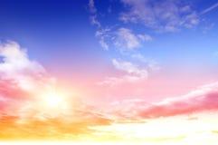 Cielo colorido y salida del sol Foto de archivo libre de regalías