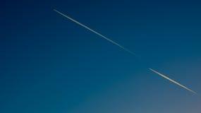 Cielo con gli aerei Fotografie Stock Libere da Diritti