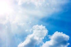Cielo con las nubes Imagenes de archivo