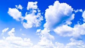 Cielo con le nubi. Fotografie Stock