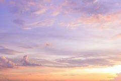 Cielo crepuscular de la puesta del sol Imagenes de archivo