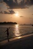 Cielo de la belleza de Maldivas en azul del mar de la tierra Foto de archivo