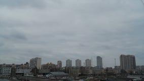 Cielo de la ciudad del tiempo de las nubes metrajes
