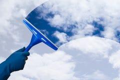 Cielo de la limpieza de la mano Fotografía de archivo libre de regalías