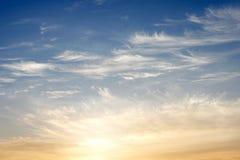 Cielo de la mañana con las nubes fotografía de archivo libre de regalías