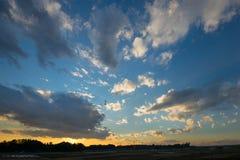 Cielo de la puesta del sol fotos de archivo
