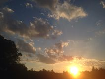 Cielo de la puesta del sol Fotos de archivo libres de regalías