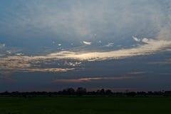 Cielo de la puesta del sol en Tailandia Fotos de archivo libres de regalías