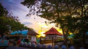 Cielo de la tarde del centro comercial de Sri Lanka del centro de ciudad de Kandy fotos de archivo