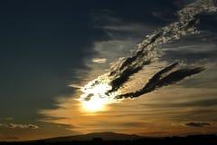 Cielo de la tarde sobre la bahía fotos de archivo libres de regalías