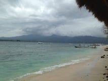 Cielo de la tormenta con el barco imagen de archivo libre de regalías