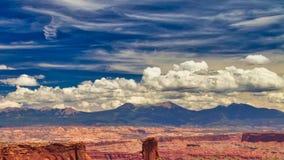 Cielo de los E.E.U.U. del sudoeste del desierto cerca de Moab fotografía de archivo