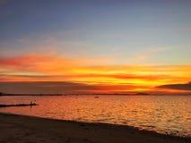 Cielo de oro del shage en el mar fotos de archivo libres de regalías